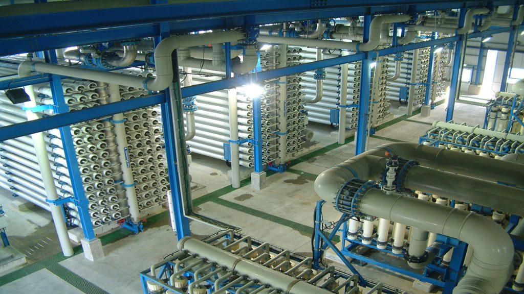 شیرین سازی آب دریا با استفاده از سیستم ممبران پایه